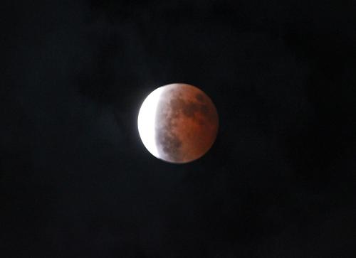 全部じゃないけど、赤い月.jpg